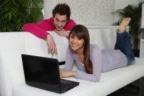 Srovnávač cen pojištění: Uzavřete nejvýhodnější pojistnou smlouvu zpohodlí domova